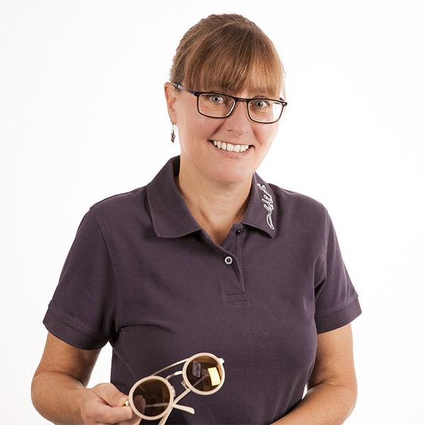 Augenoptikerin Birgit Stefanowicz